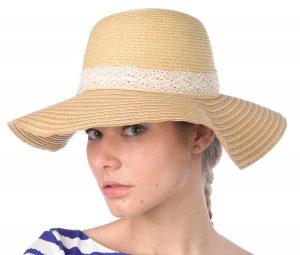 Damski kapelusz będzie jednocześnie ozdobą oraz będzie chronił przed słońcem
